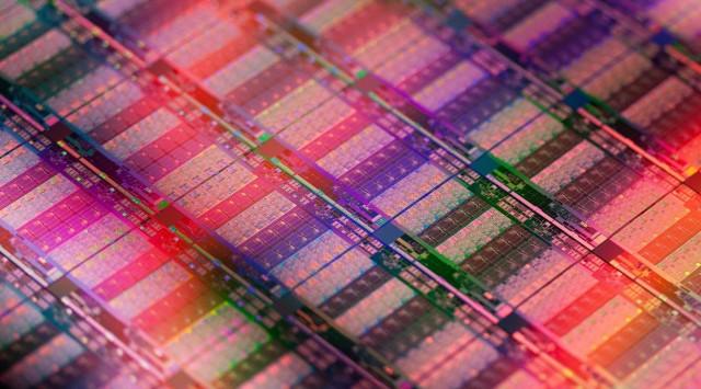 Intel Xeon E7 Ivy Bridge-EX die (15 core)