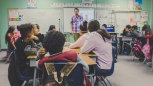 math-teaches-math:-researchers-tap-ai-to-boost-classroom-discussions